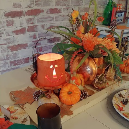 Sponsored by Wayfair - Spooky Season Versatile Fall Table Setting