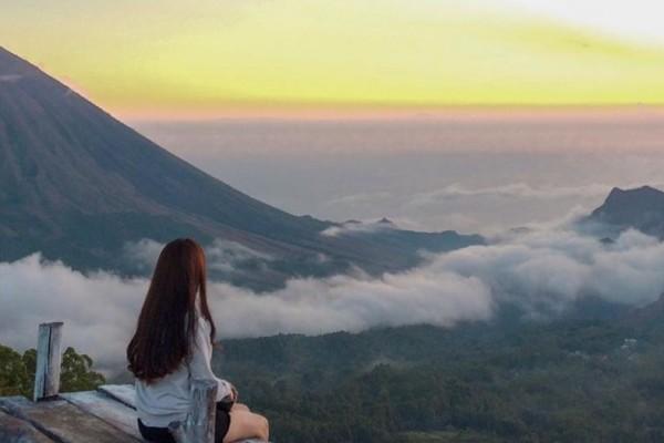 Bukit Wolobobo, Negeri Atas Awan di Tanah Flores