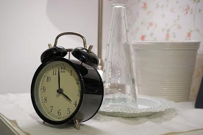 Pentingkah membiasakan tepat waktu sejak dini?