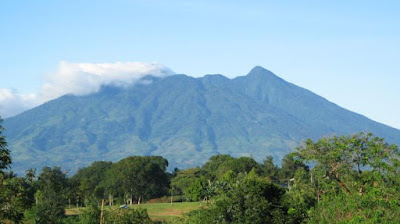 Merinding! Misteri 5 Gunung di Jawa Barat
