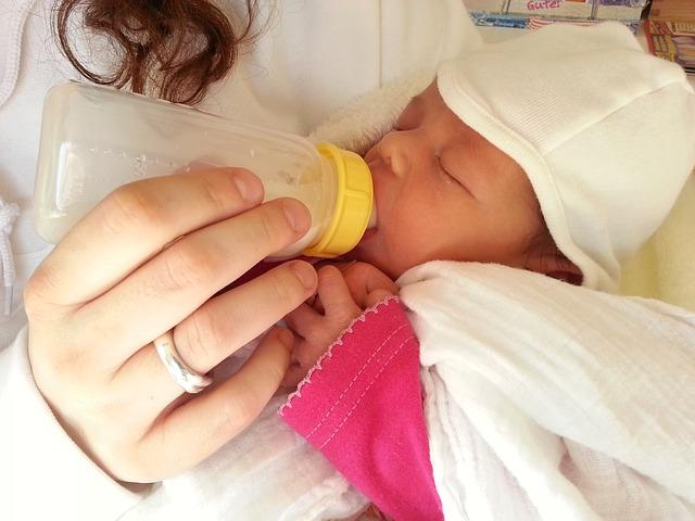 لا تعطي الأطفال الرضع اللهايات المملوءة بالعسل