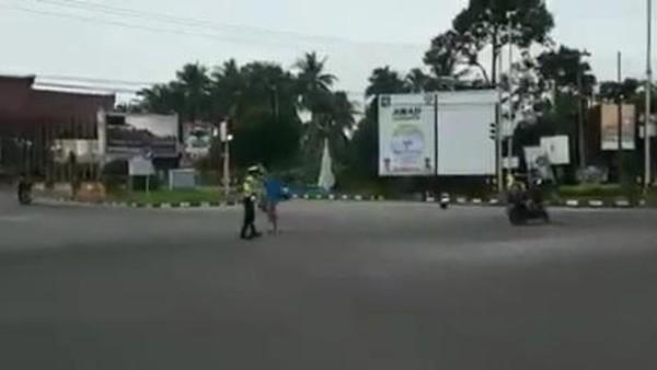 Viral Video Polantas Diserang Pemotor di Babel
