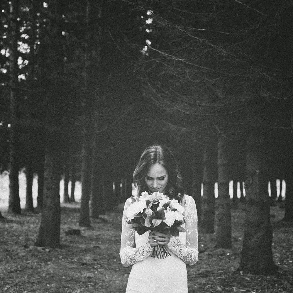 black-white-wedding-photo-lace-dress-woods