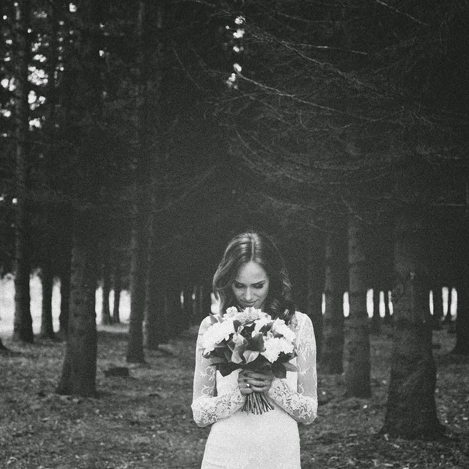 black-white-wedding-photo-lace-dress-woods