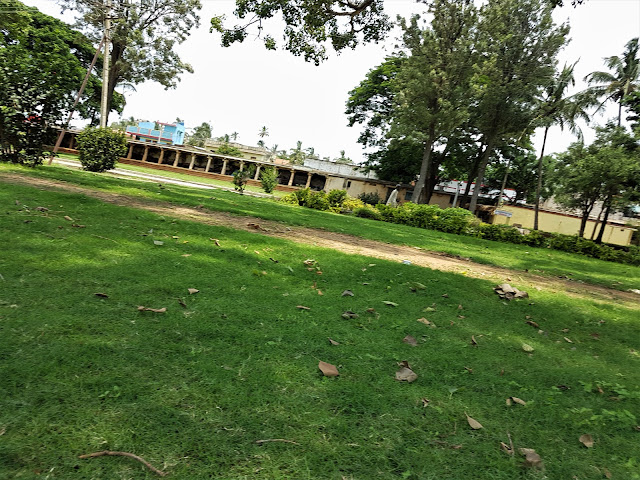 Lawn at Bhoga Nandeeshwara Temple