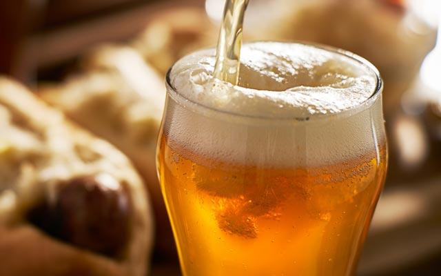 Cerveja contaminada pode ser causa de síndrome que matou uma pessoa em MG