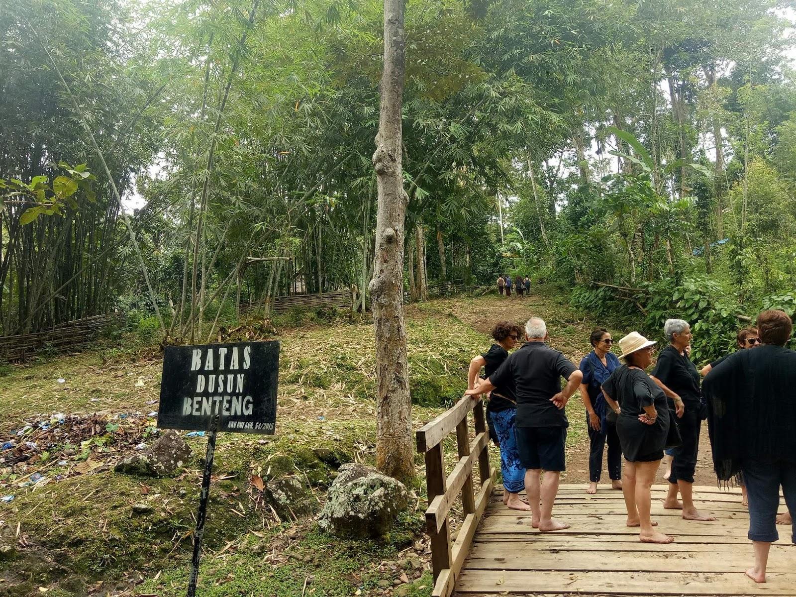 suku kajang ammatoa sulawesi selatan