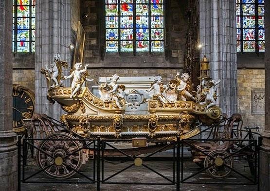 Carro Dorado, guardado en la Colegiata de Sainte-Waudru (Mons, Bélgica)
