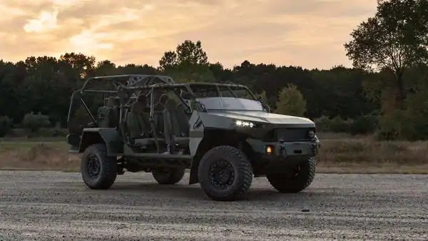 Infantry squad vehicle by gm defense