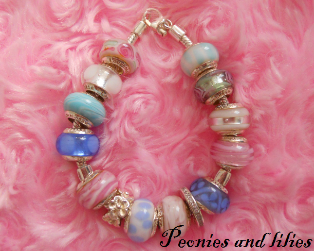 Lovelinks bracelet, Lovelinks bead and charm bracelet