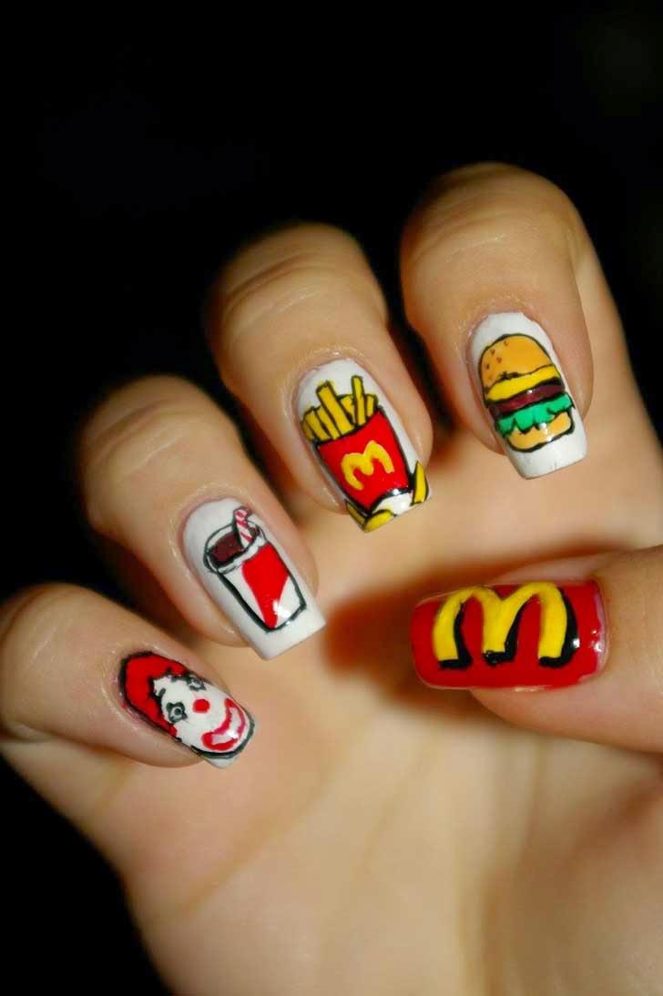 Diseño de uñas al estilo McDonalds.
