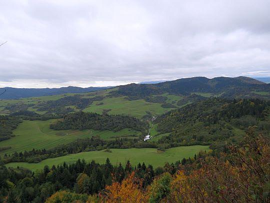 Dolina Leśnicy (widok z Łaźnych Skał).