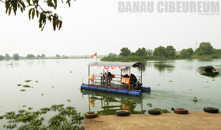 Danau Cibeureum Bekasi