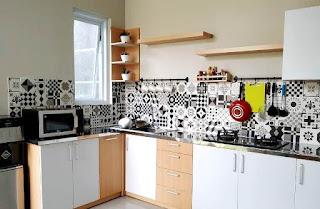 pada kesempatan kali ini aku akan membaahas wacana artikel Desain Dapur Rumah Yang Mini Desain Dapur Rumah Yang Minimalis