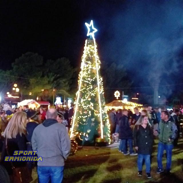 Άναψαν το Χριστουγεννιάτικο Δέντρο στο Πόρτοχέλι (βίντεο)