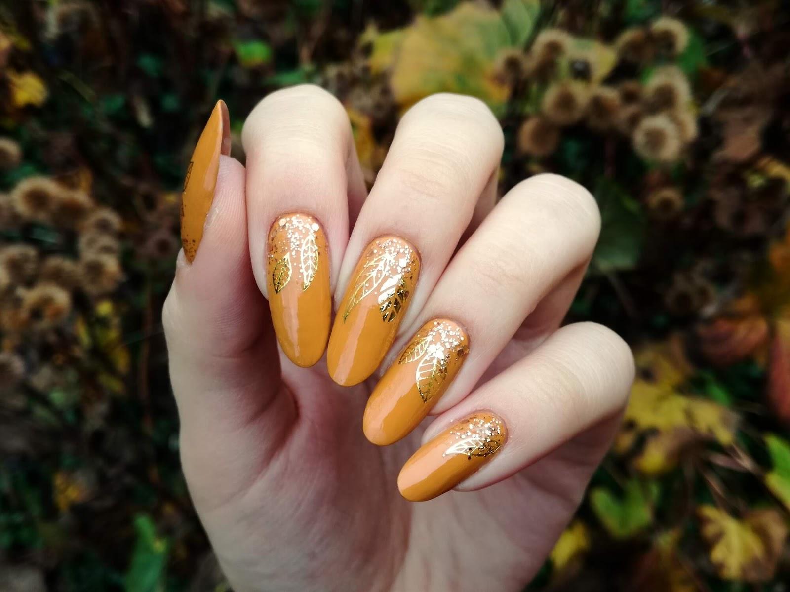 jesienne paznokcie wzory