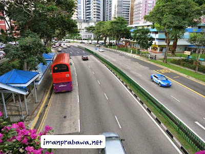 Dari Atas Jalan Layang Singapura