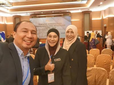 Cikgu Hailmi bergambar dengan dua pengetua hebat dari negeri Kedah