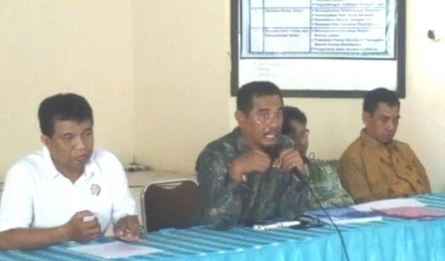 Camat Bontomatene Selayar, Bekali Pejabat Sementara 6 Kades di Wilayahnya