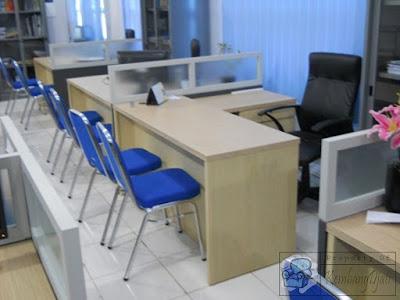 Pesan Meja Sekat Perkantoran + Furniture Semarang ( Meja Sekat Kantor )