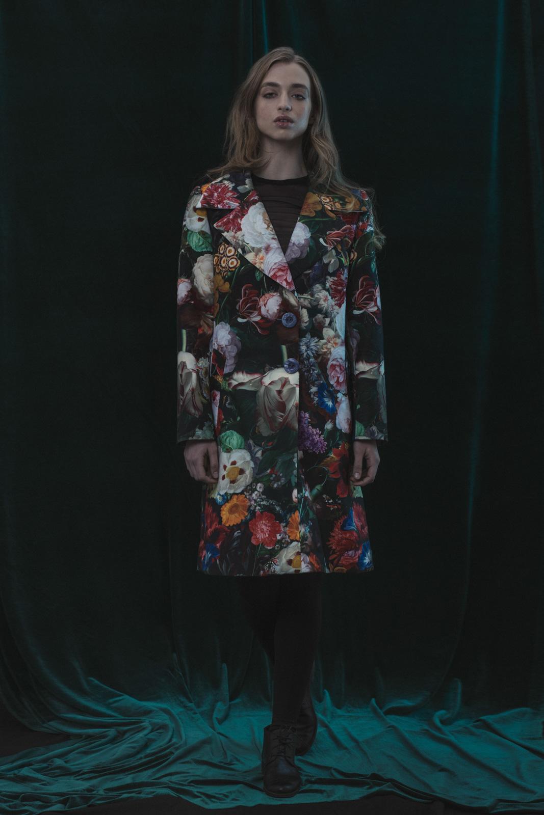 abrigo diseñado por Carolina Arias de tienda Bazar La Pasión