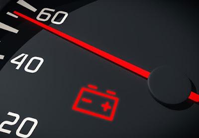 7 اسباب لإضاءة لمبة بطارية السيارة أثناء القيادة