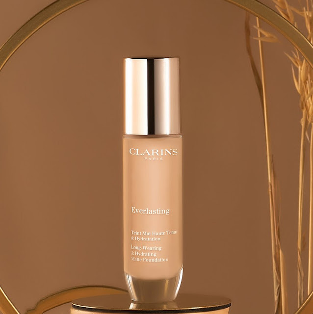clarins-everlasting-foundation-1