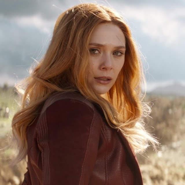 Avengers Endgame : マーベルは私の誇りだから…と、「アベンジャーズ : エンドゲーム」のオールスター大集合の現場を秘かに記念撮影していたスカーレット・ウィッチのリジーもスパイ・ビデオを披露してくれた ! !