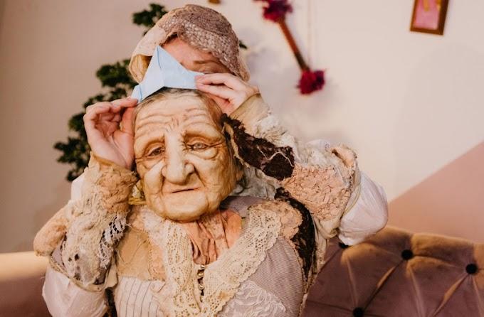Espetáculo 'Violeta' usa boneca hiper-realista para refletir sobre envelhecimento feminino