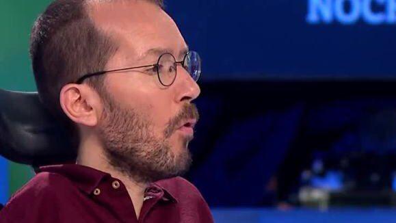 Pablo Echenique critica en las redes la imagen en el  El Español de Pablo Iglesias
