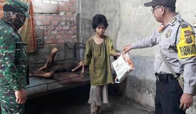 Kakak Beradik Kelaparan Ini Diselamatkan TNI/Polri