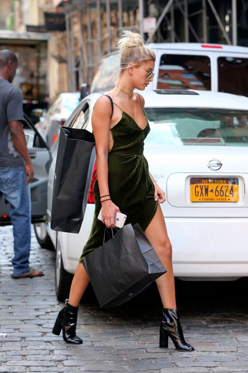 SLIP DRESS FASHION TREND