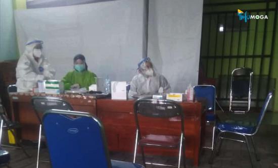 Hari Ini Petugas KPPS di Kecamatan Moga Jalani Rapid Test di Puskesmas