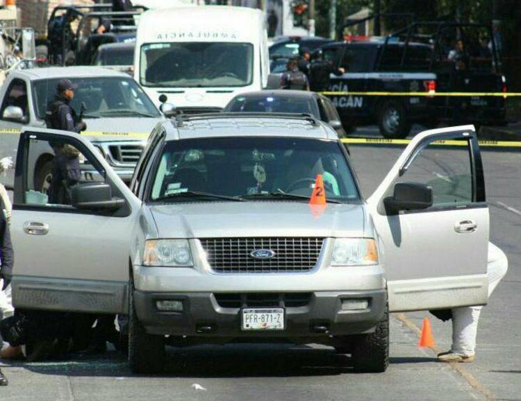 Ataque a pareja en Uruapan deja un ejecutado; la mujer muere en el hospital