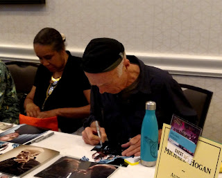 Michael Hogan at Shore Leave 39