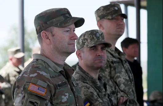 Ukraine Nazi extremists military training Canada