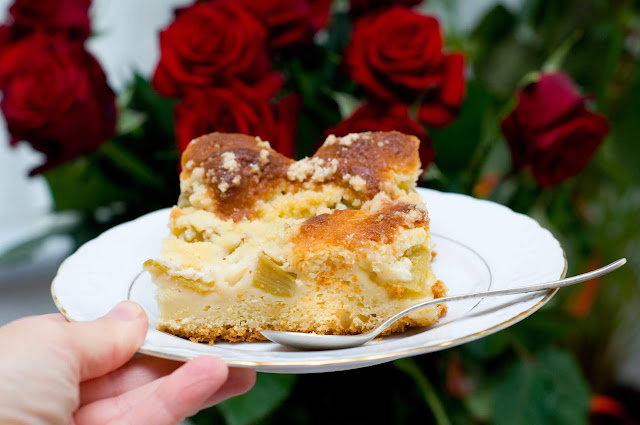 ciasto z kruszonką i rabarbarem prosty przepis