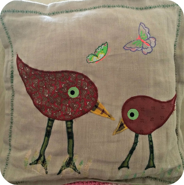 cushion, pillow, coussin, broderie, embroidery, appliqué, machine embroidery, broderie machine