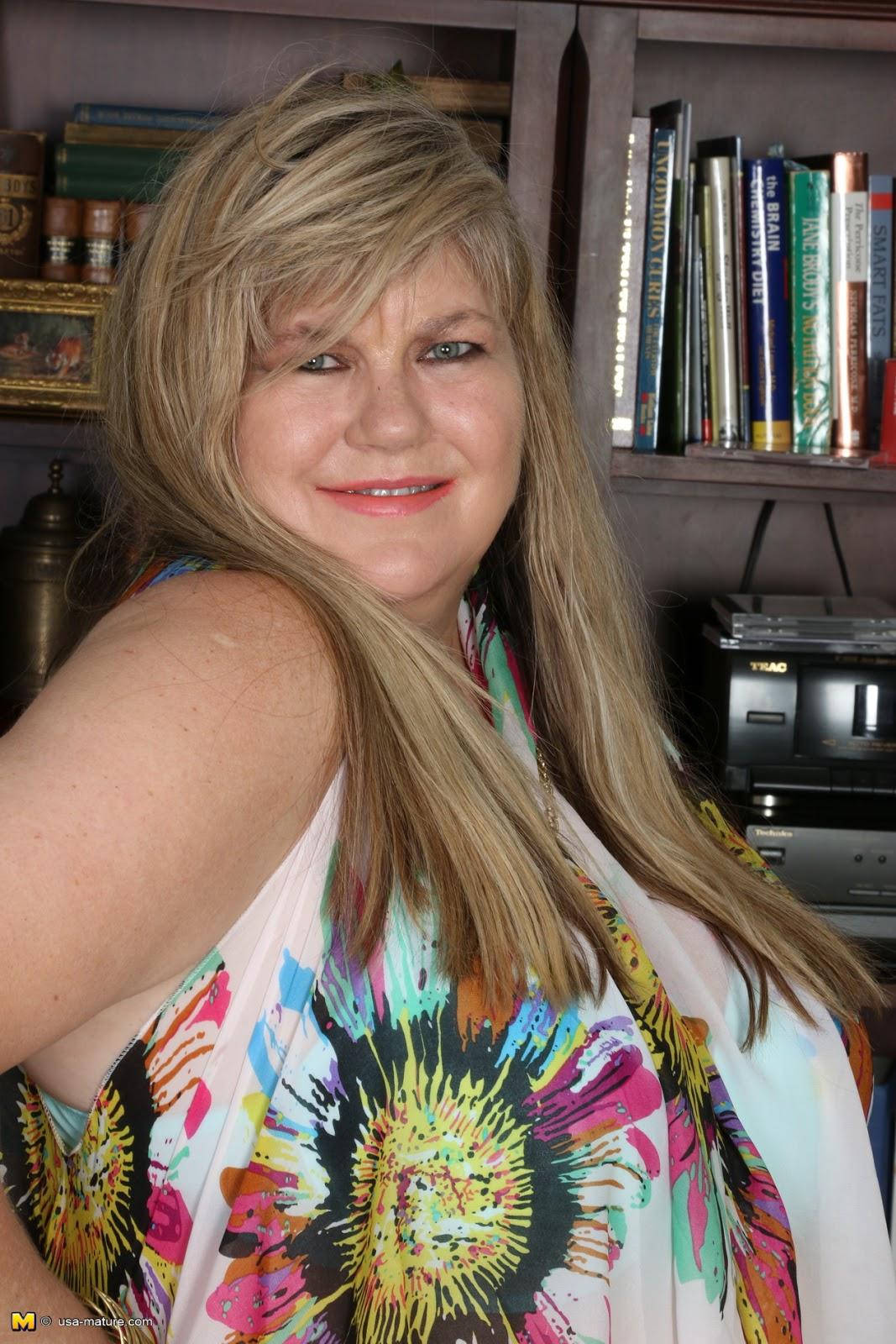 Queensized Beauties 2: Brooke