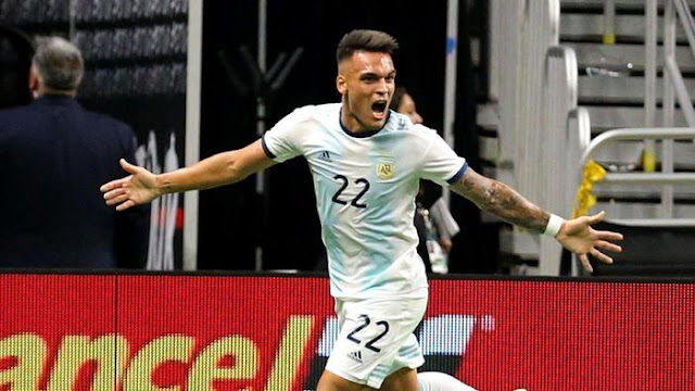 Hattrick Lautaro Martinez, Argentina Bend Mexico 4-0