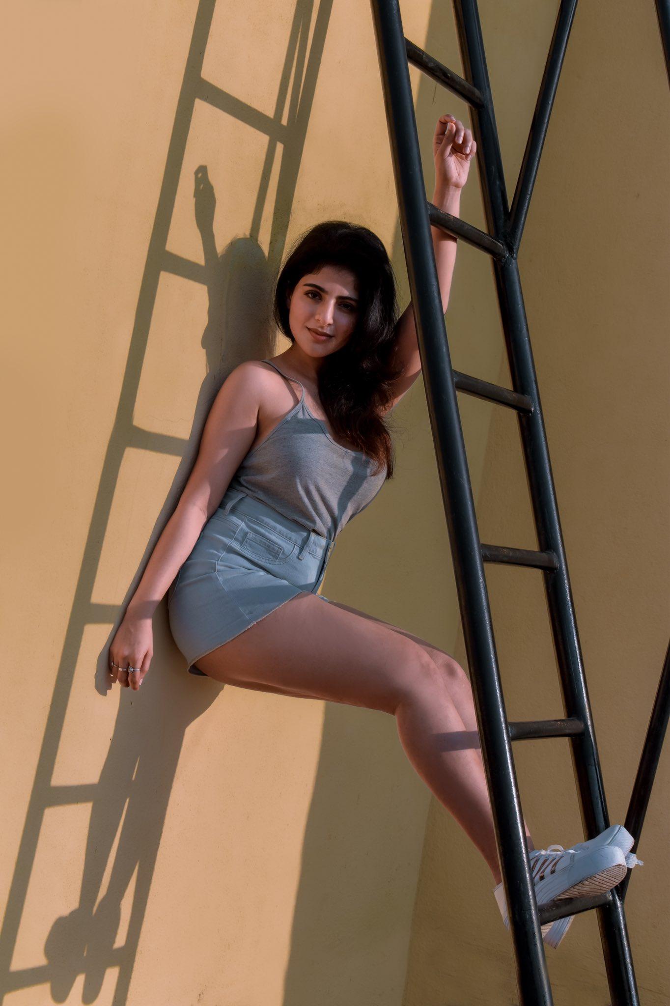 Iswarya Menon new pics