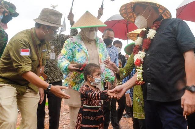 Wamen Surya Thandra Didampingi Wagub Kepri Melakukan Kunker ke Pulau Pelampong