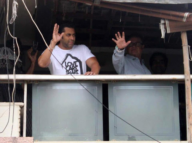 Photos - Salman Khan Salman Khan Eid Celebration With Fans