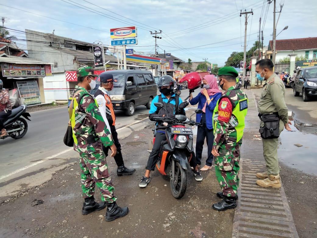 Sosialisasikan PPKM  Di Sukabumi, Begini Penjelasan Danramil 0711/Cibadak