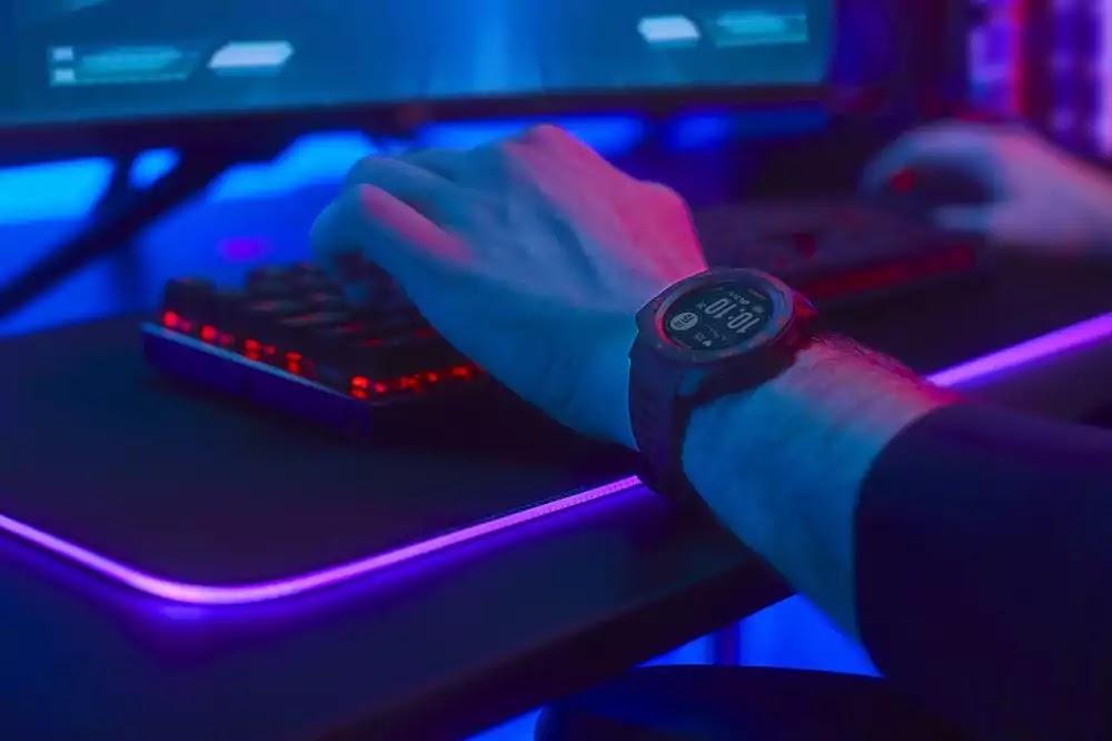 Garmin esports smartwatch tracks, analyzes and streams biometric performance