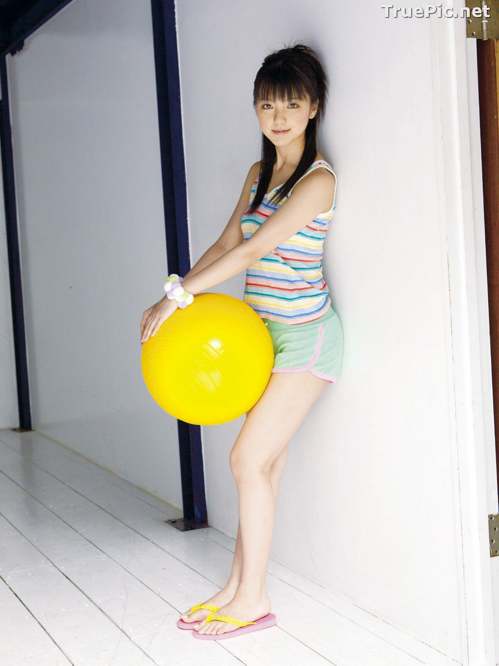 Image Japanese Singer and Actress - Erina Mano - Summer Greeting Photo Set - TruePic.net - Picture-3