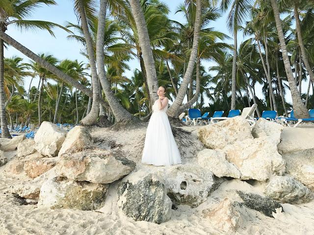 panna młoda na plaży, egzotyczna sesja ślubna