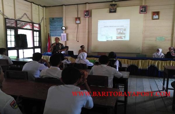 Perkuat Wawasan Kebangsaan, Danramil Pendang Sosialisasi di SMAN 1 Dusun Utara
