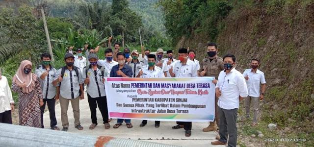 Legislator Ini Apresiasi Pembangunan Infrastruktur Jalan di Desa Terasa