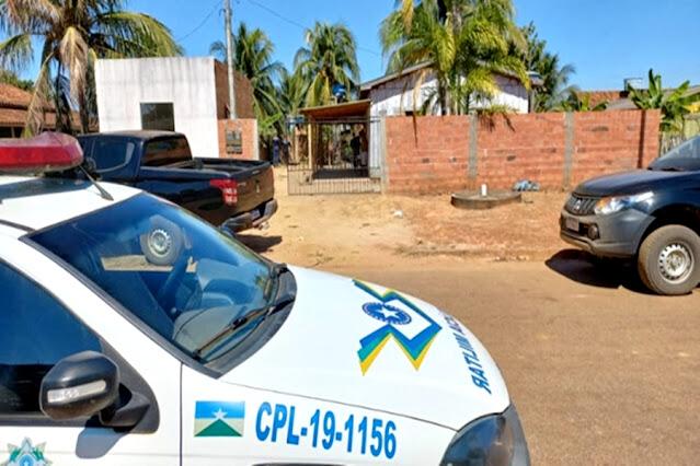Mulher é encontrada morta com sinais de violência e Polícia prende três suspeitos